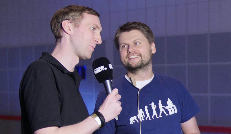 bedruckter Windschutz mit Logo im Interview