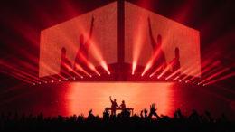 Bei einem einmaligen Konzert von Axwell & Ingrosso in San Francisco kamen 40 impression X4 Bars und 58 JDC1 Hybridstrobes zum Einsatz