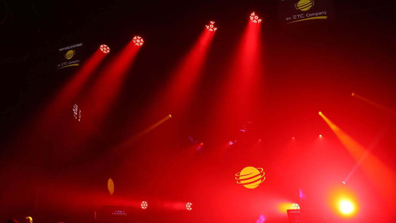Eine unschätzbare Erfahrung: Bei Hog Factor erhält der Lichtnachwuchs die Chance, auf einer großen Bühne zu performen. Foto: High End Systems