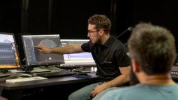 Das L-ISA Schulungsprogramm kombiniert Theorie und Hand-on-Praxis, jeweils abgestimmt auf die Anforderungen von System- und Mixing-Engineers.