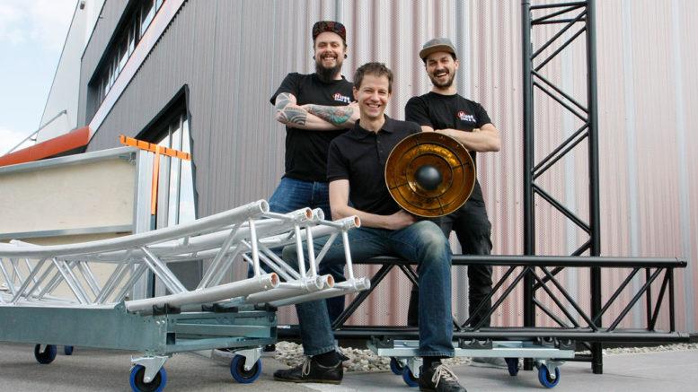 Ab sofort vertreibt Huss Licht & Ton Produkte der Marke Admiral. Mit dem niederländischen Hersteller erweitert Huss Licht & Ton sein Portfolio an innovativem Bühnenzubehör.