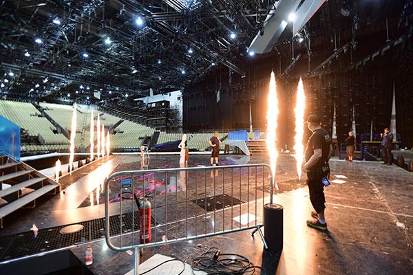 ©Ola Melzig Erster Test der Pyroeffekte auf der Bühne des ESC2019