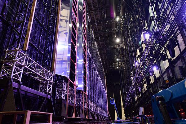 ©Ola Melzig stage left des ESC 2019