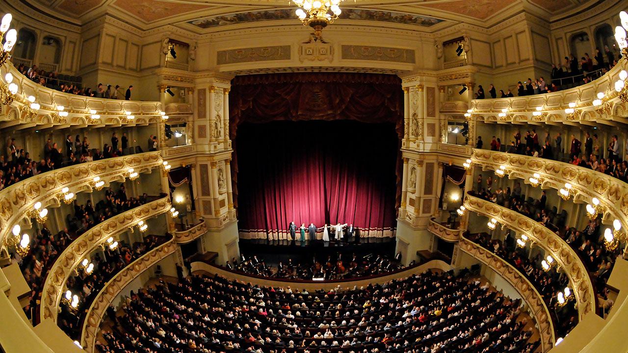 Die Semperoper, das Opernhaus der Sächsischen Staatstheater – ein Haus mit langer, geschichtlicher Tradition – entscheidet sich für den P18 Wash.