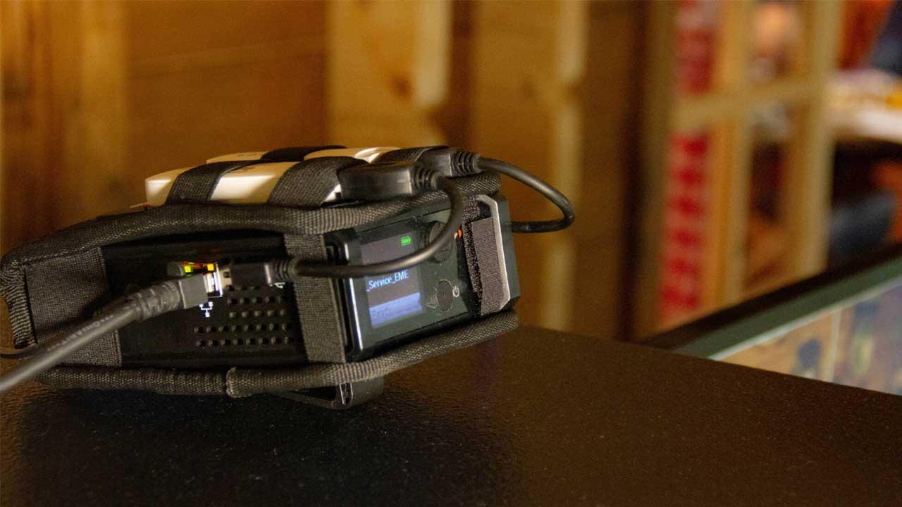 Die LiveU Solo im Einsatz mit zwei LTE- Modems und einer LAN- Verbindung